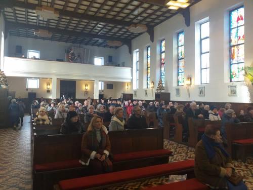 Raz w miesiącu w parafiach w całej Polsce spotykamy się na modlitwie Różaniec za Braci / Once monthly we gather in many polish parhishes to pray