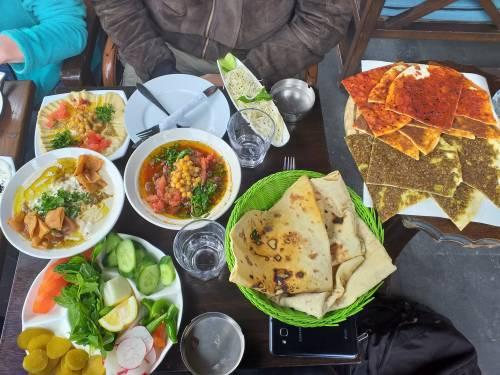 ... i smakowite jedzenie! / ...and delicious food